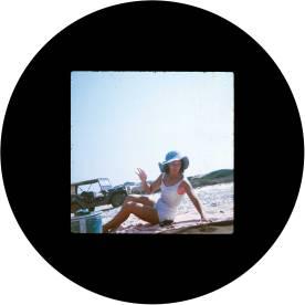 circle_joyce_sunbathing_wom
